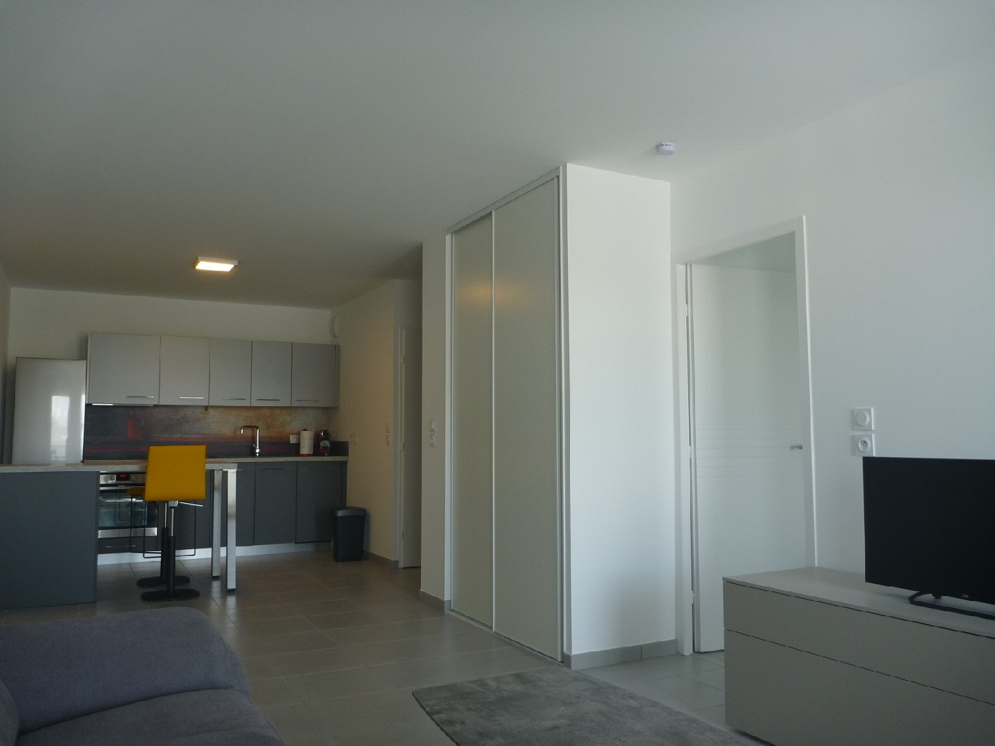 Location appartement - ST GENIS POUILLY<br>52,96 m², 2 pièces